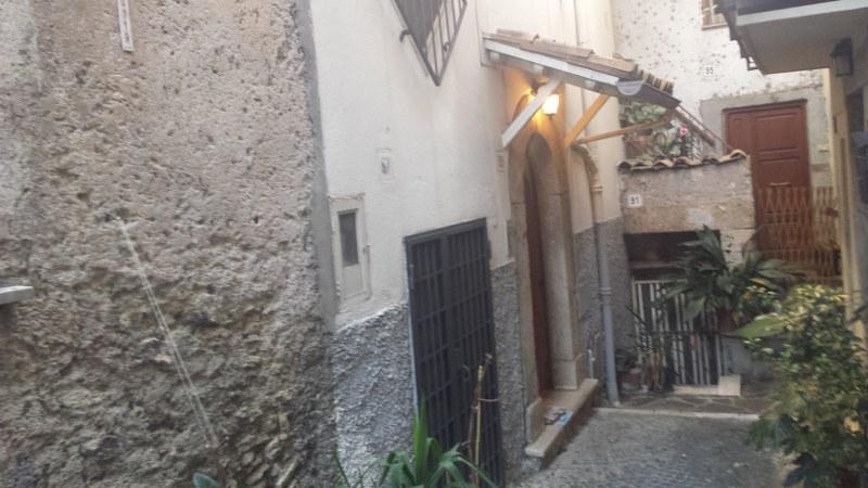 Appartamento in vendita a Ferentino, 7 locali, prezzo € 99.000 | CambioCasa.it