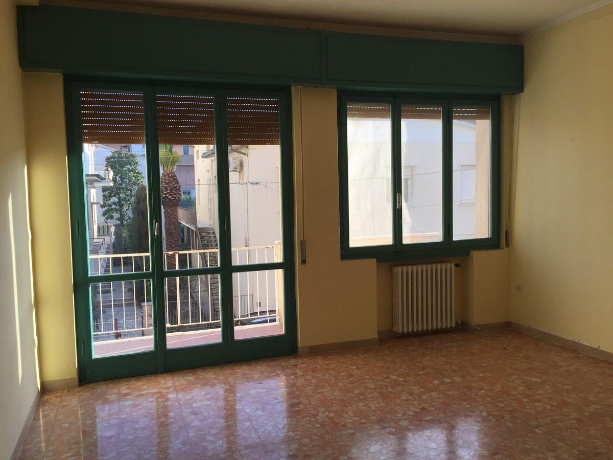 Appartamento in vendita a Santa Croce sull'Arno, 4 locali, prezzo € 75.000 | Cambio Casa.it