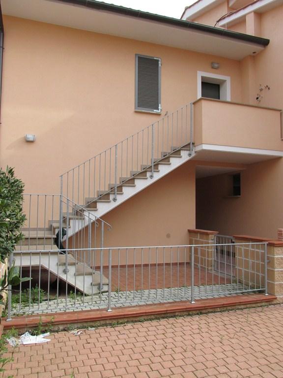 Appartamento in vendita a Pontedera, 3 locali, prezzo € 110.000 | Cambio Casa.it