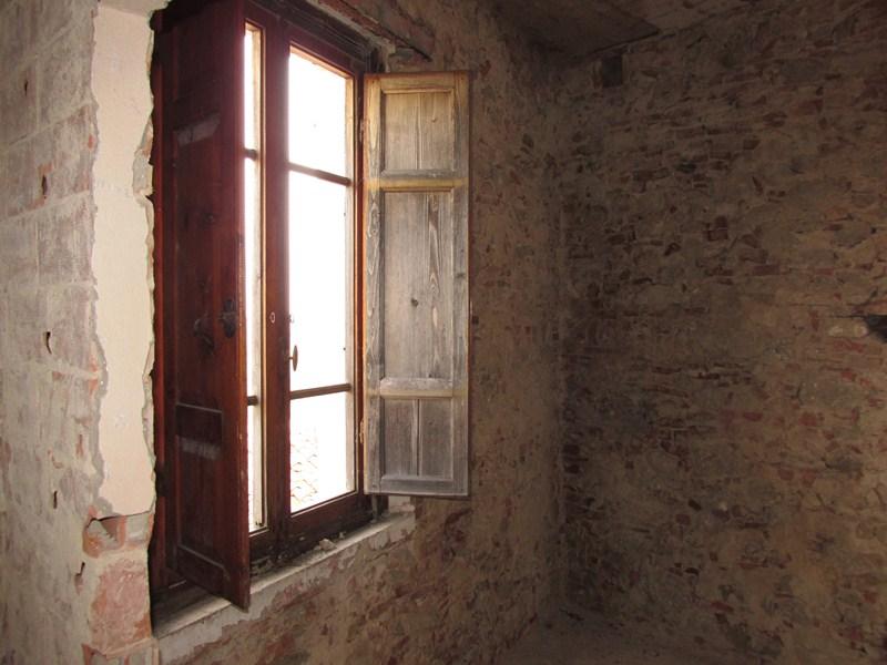 Villa in vendita a Palaia, 10 locali, zona Zona: Montefoscoli, prezzo € 160.000 | Cambio Casa.it