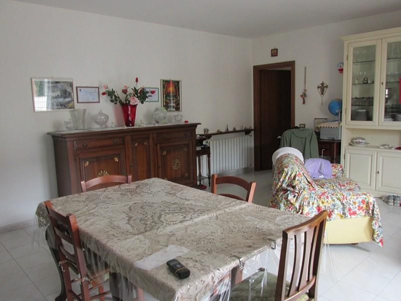 Appartamento in vendita a Santa Maria a Monte, 3 locali, zona Zona: Ponticelli, prezzo € 98.000 | Cambio Casa.it