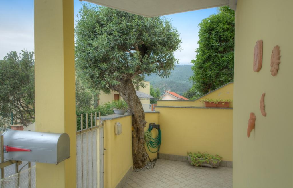 Bilocale Pietra Ligure Via Della Cornice 4