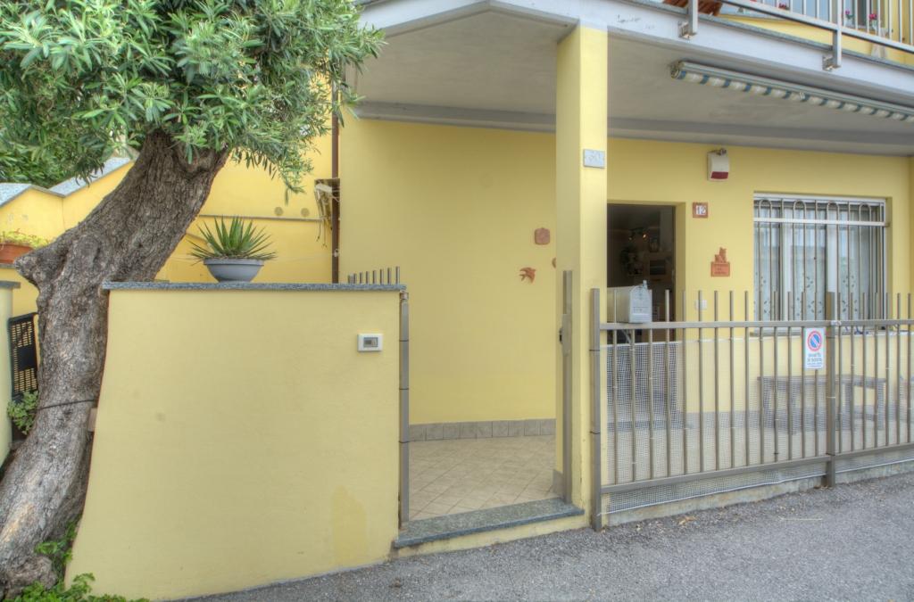 Bilocale Pietra Ligure Via Della Cornice 1