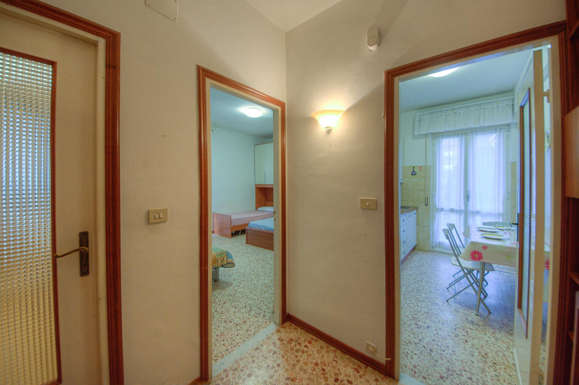 Bilocale Pietra Ligure Via Cesare Battisti 10