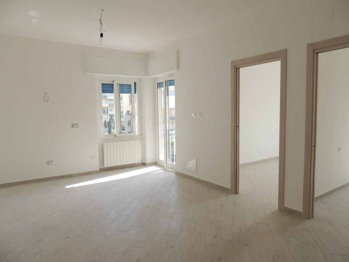 Appartamento in vendita a Loano, 3 locali, zona Località: 100metridallespiagge, prezzo € 245.000   CambioCasa.it