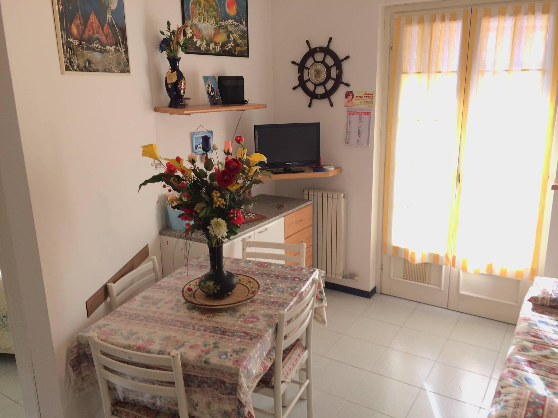 Appartamento in vendita a Loano, 3 locali, zona Località: ZonaPoeti, prezzo € 160.000 | CambioCasa.it