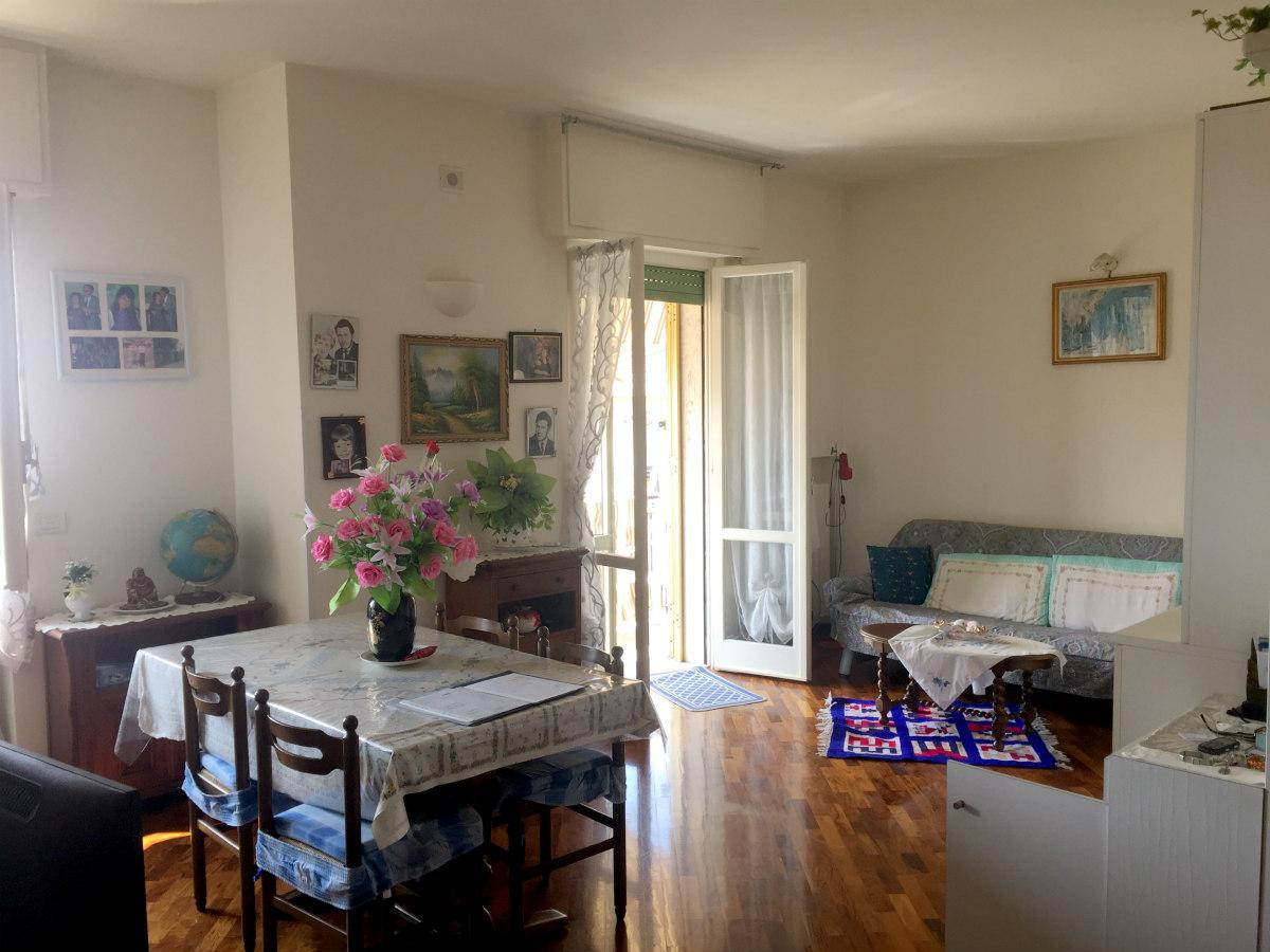 Appartamento in vendita a Loano, 3 locali, zona Località: ZonaPoeti, prezzo € 360.000 | CambioCasa.it