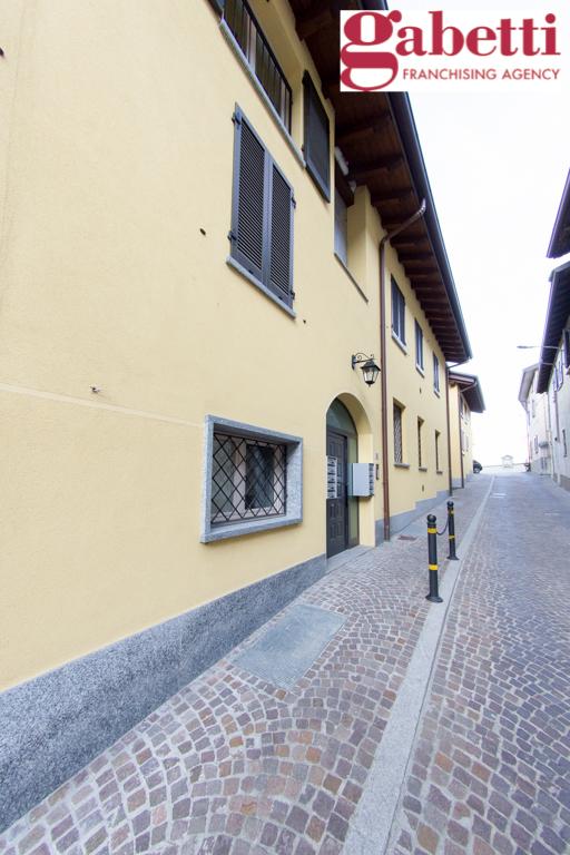 Bilocale Castello di Brianza Via Fontana 4