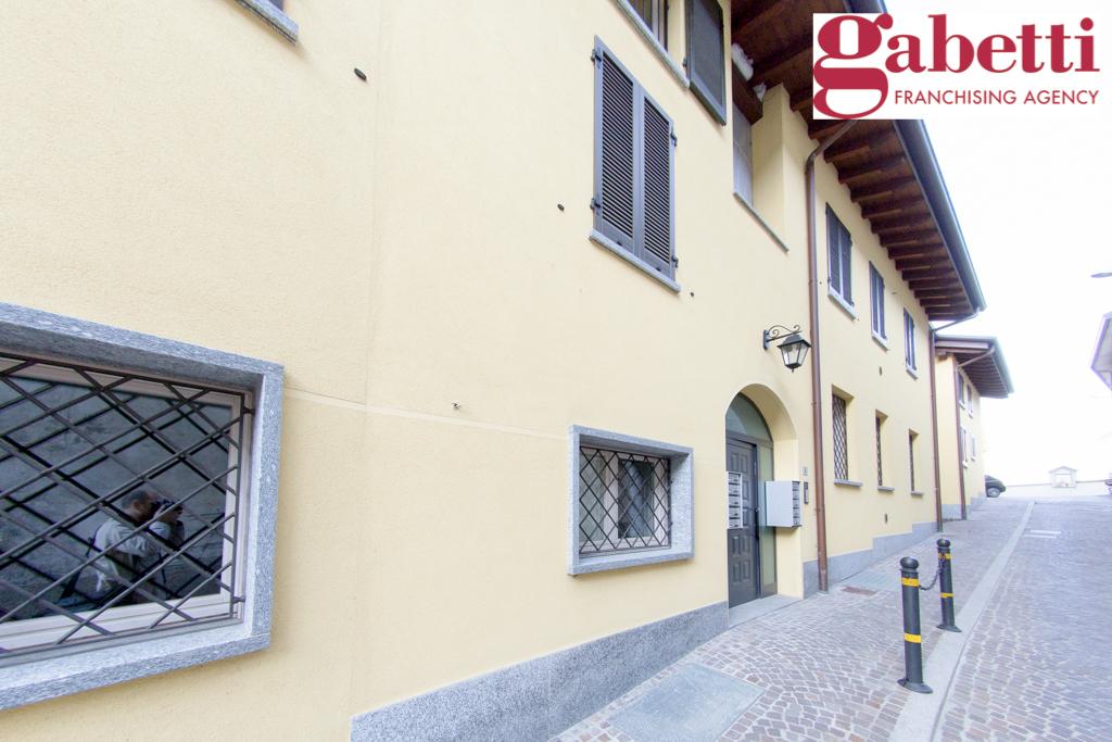 Bilocale Castello di Brianza Via Fontana 1