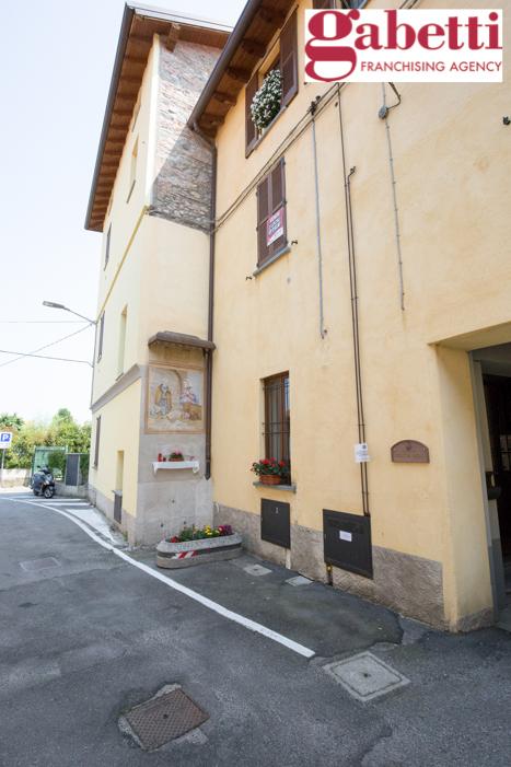 Bilocale Paderno d Adda Via Roma 10