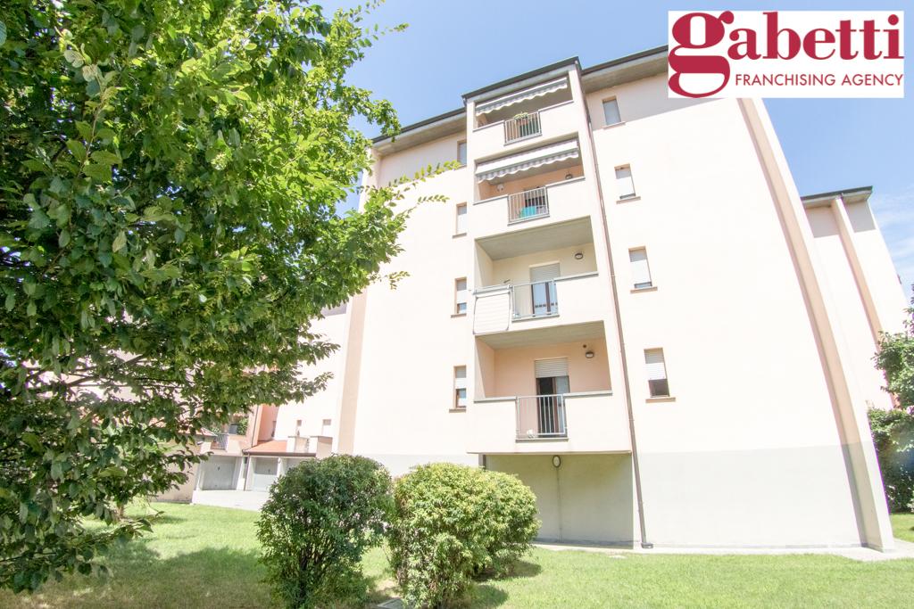Bilocale Bernareggio Via Pertini 4