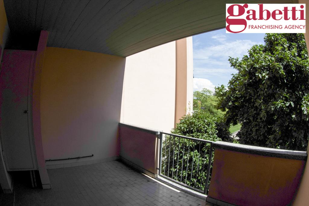 Bilocale Bernareggio Via Pertini 10