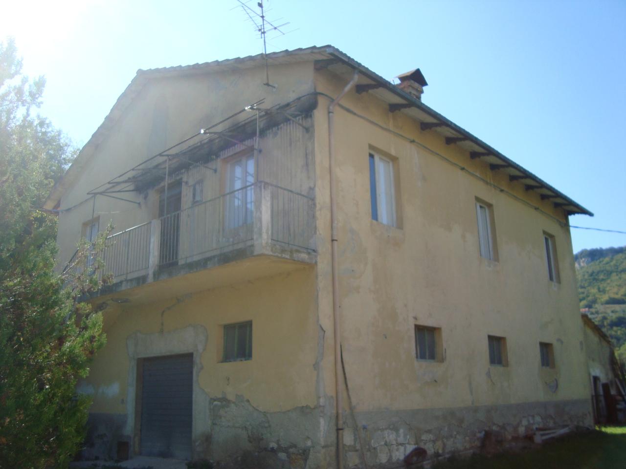Soluzione Indipendente in vendita a Ascoli Piceno, 9999 locali, zona Località: P.taCartara, Trattative riservate | Cambio Casa.it