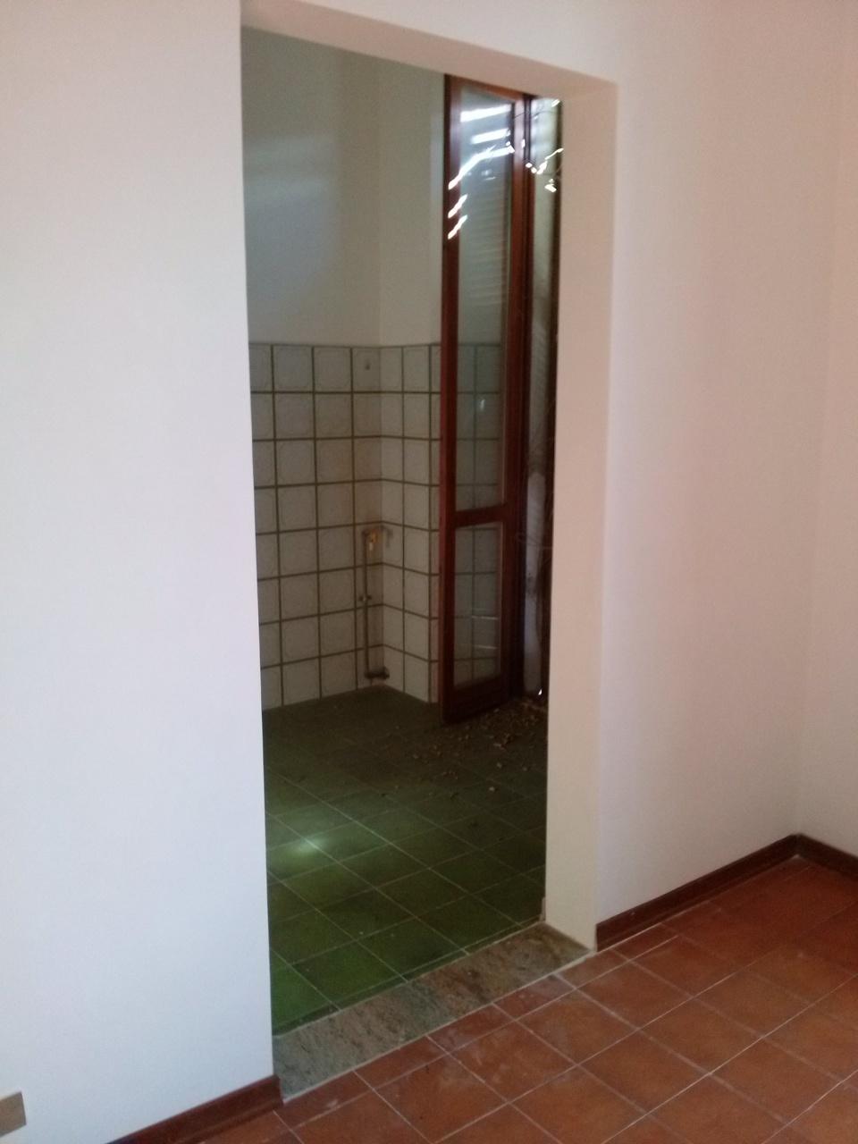 Appartamento in vendita a Ascoli Piceno, 5 locali, zona Località: SanFilippo, prezzo € 77.000 | Cambio Casa.it
