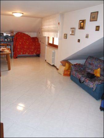 Attico / Mansarda in vendita a Ascoli Piceno, 9999 locali, zona Località: P.taRomana, prezzo € 100.000 | Cambio Casa.it