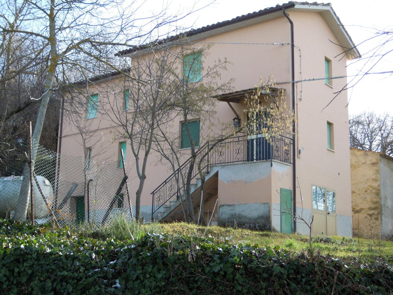 Rustico / Casale in vendita a Force, 9999 locali, zona Località: FrazioneQuinzano, prezzo € 130.000 | Cambio Casa.it