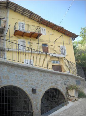 Soluzione Semindipendente in vendita a Ascoli Piceno, 9999 locali, zona Zona: Venagrande, prezzo € 95.000 | CambioCasa.it