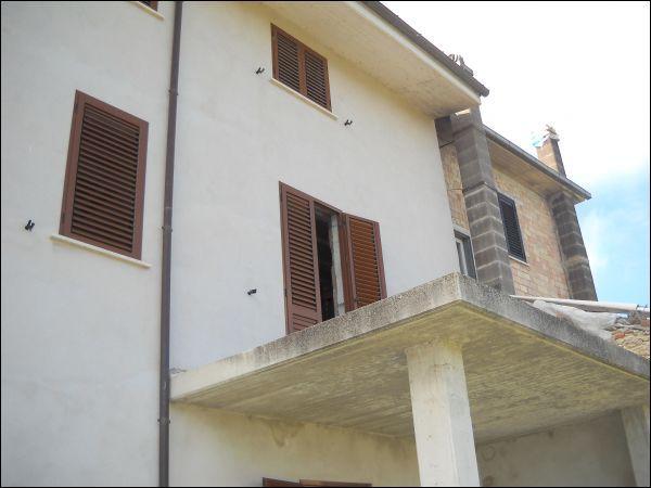 Palazzo / Stabile in vendita a Ascoli Piceno, 9999 locali, zona Zona: Lisciano, prezzo € 90.000 | Cambio Casa.it