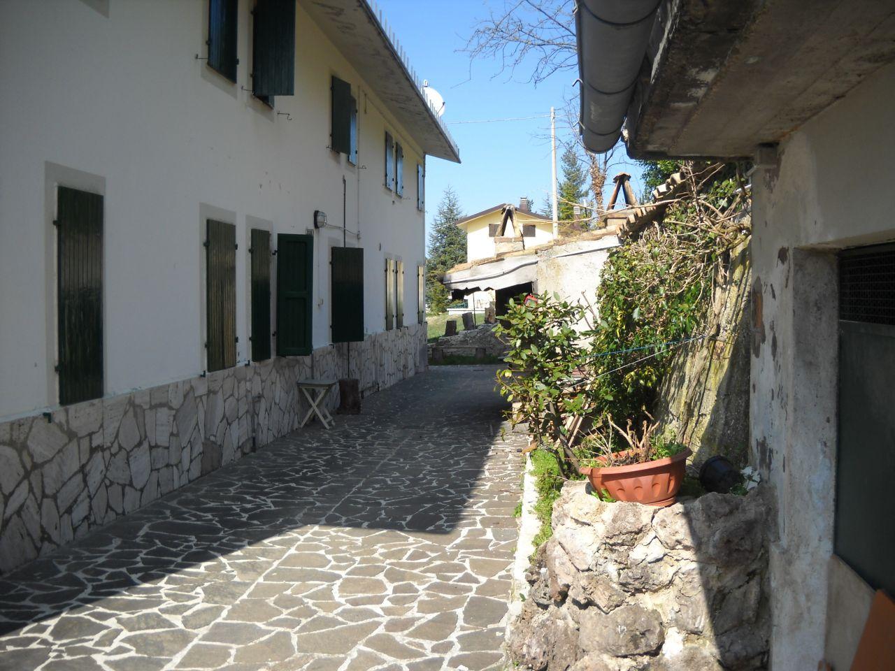 Villa a Schiera in vendita a Ascoli Piceno, 9999 locali, zona Località: SanGiacomo, prezzo € 98.000 | CambioCasa.it