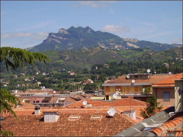 Appartamento in vendita a Ascoli Piceno, 10 locali, zona Località: P.taMaggiore, Trattative riservate | Cambio Casa.it
