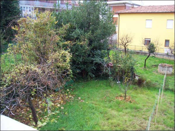 Soluzione Indipendente in vendita a Ascoli Piceno, 8 locali, zona Località: P.taMaggiore, prezzo € 300.000 | CambioCasa.it