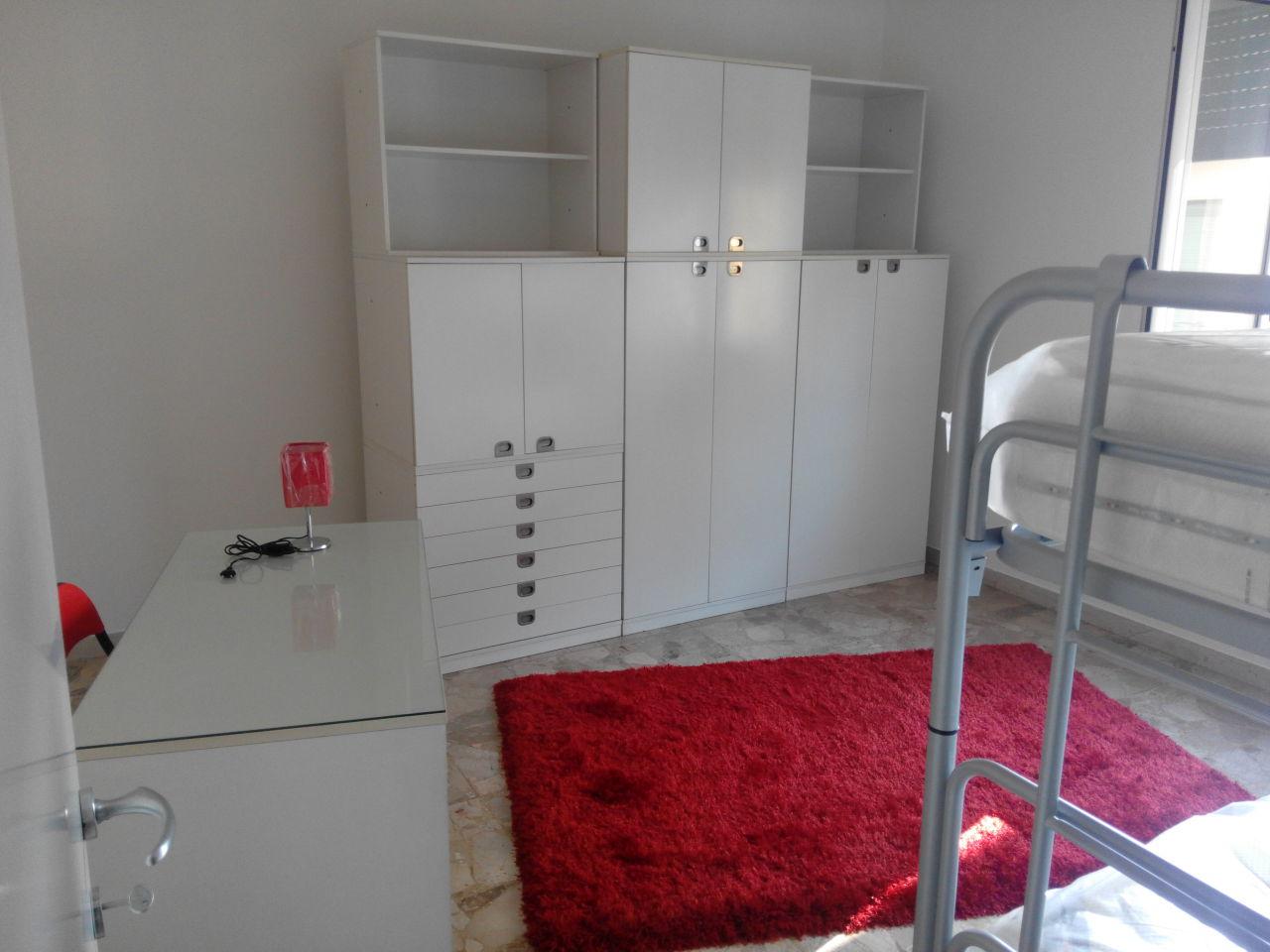 Appartamento in affitto a Ascoli Piceno, 5 locali, zona Località: CampoParignano, prezzo € 450 | Cambio Casa.it