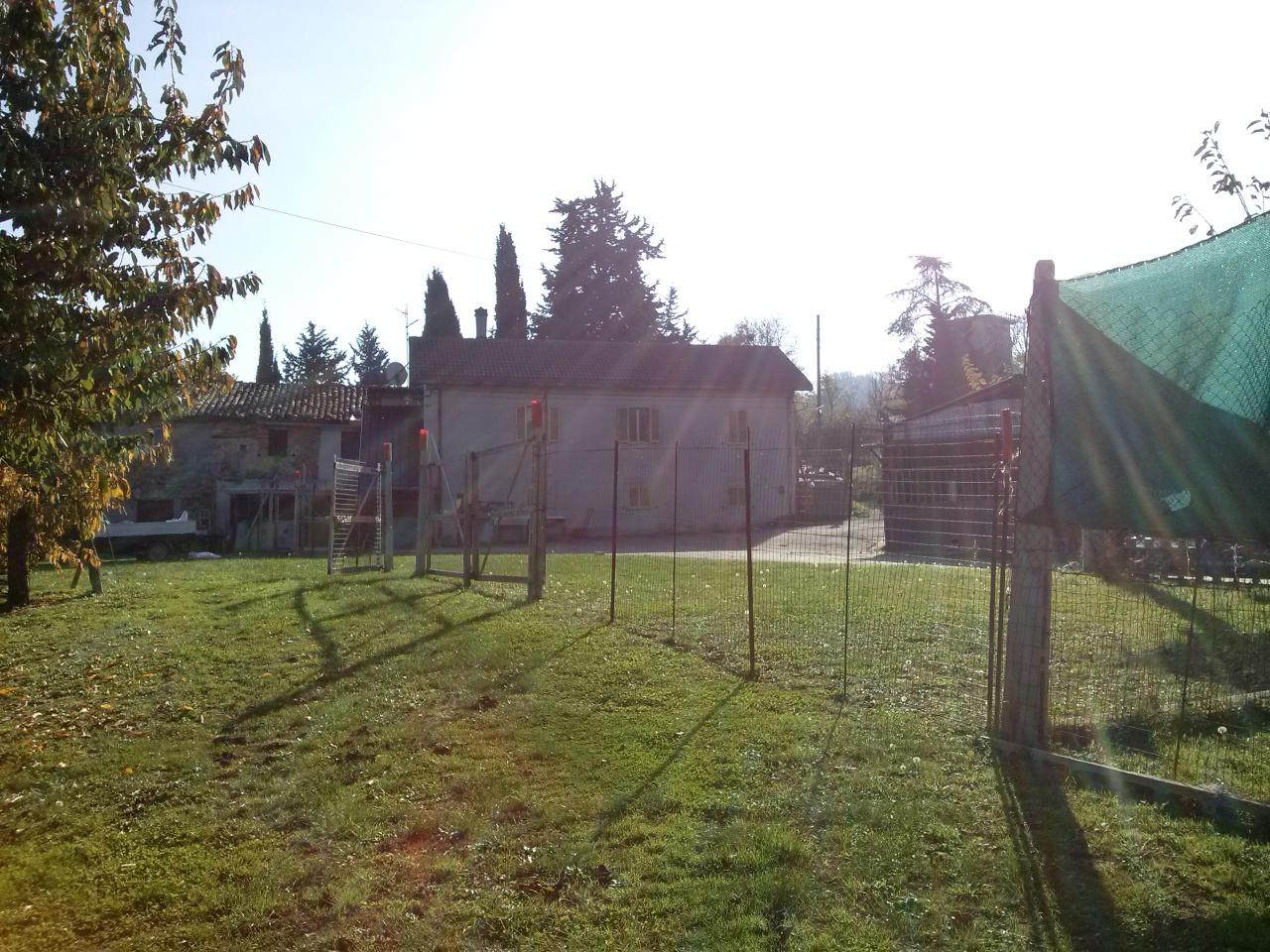 Rustico / Casale in vendita a Ascoli Piceno, 5 locali, zona Località: ValleFiorana, prezzo € 130.000 | CambioCasa.it