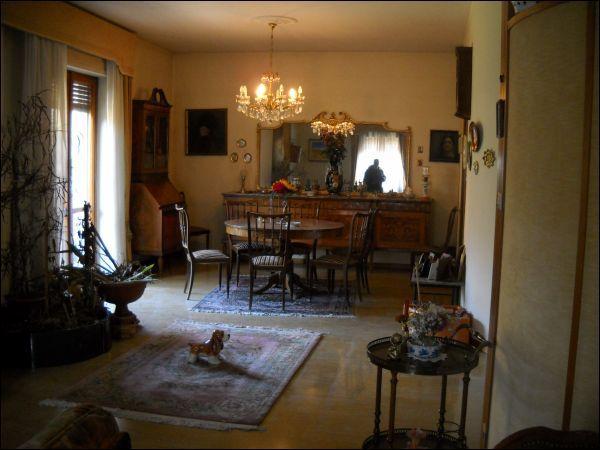 Appartamento in vendita a Ascoli Piceno, 6 locali, zona Località: CentroStorico, Trattative riservate | Cambio Casa.it