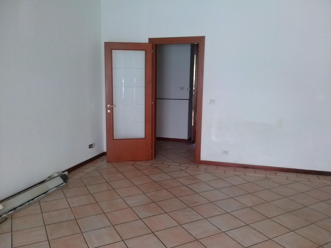 Attività / Licenza in affitto a Ascoli Piceno, 9999 locali, prezzo € 450 | CambioCasa.it