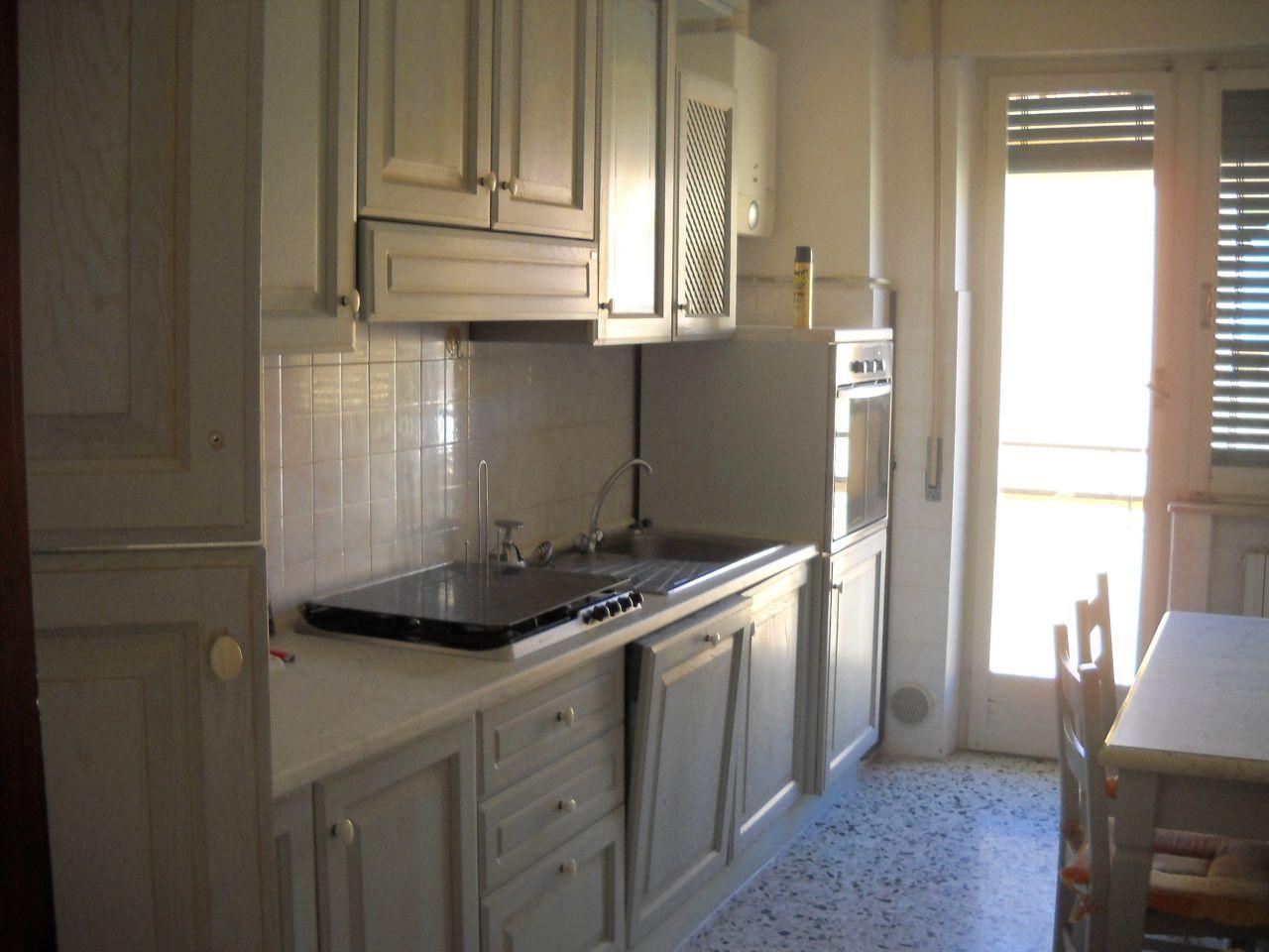 Appartamento in affitto a Ascoli Piceno, 9999 locali, zona Località: P.taCappuccina, prezzo € 550 | Cambio Casa.it