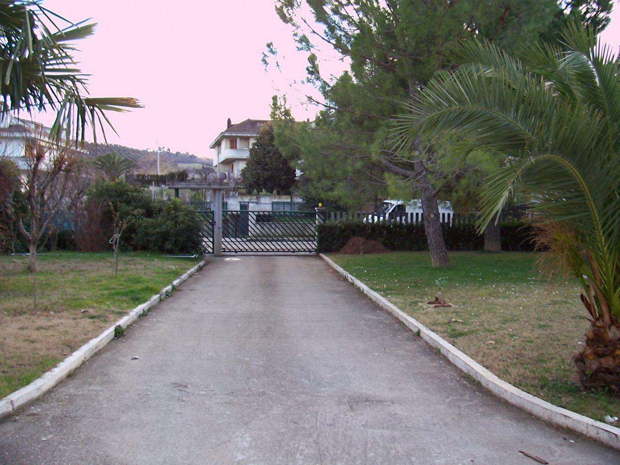Appartamento in vendita a Ascoli Piceno, 9999 locali, zona Località: Marino, prezzo € 650.000 | Cambio Casa.it