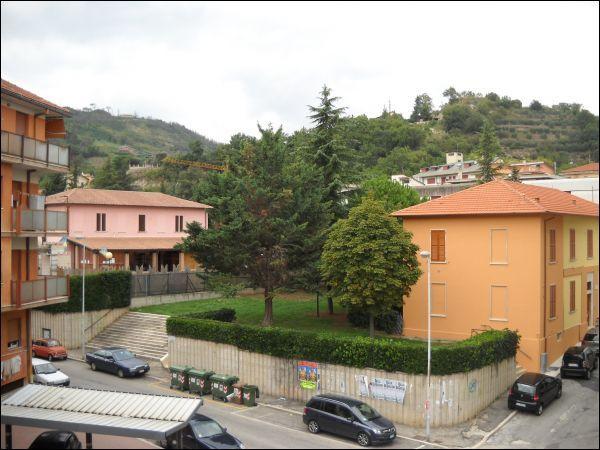 Appartamento in vendita a Ascoli Piceno, 5 locali, zona Località: P.taCappuccina, prezzo € 78.000 | Cambio Casa.it
