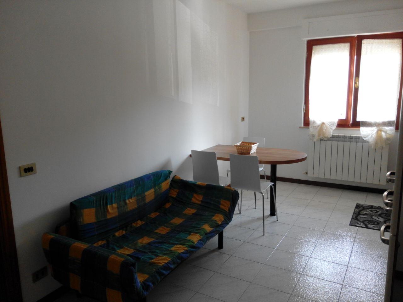 Appartamento in affitto a Ascoli Piceno, 9999 locali, zona Località: P.taCappuccina, prezzo € 330 | Cambio Casa.it