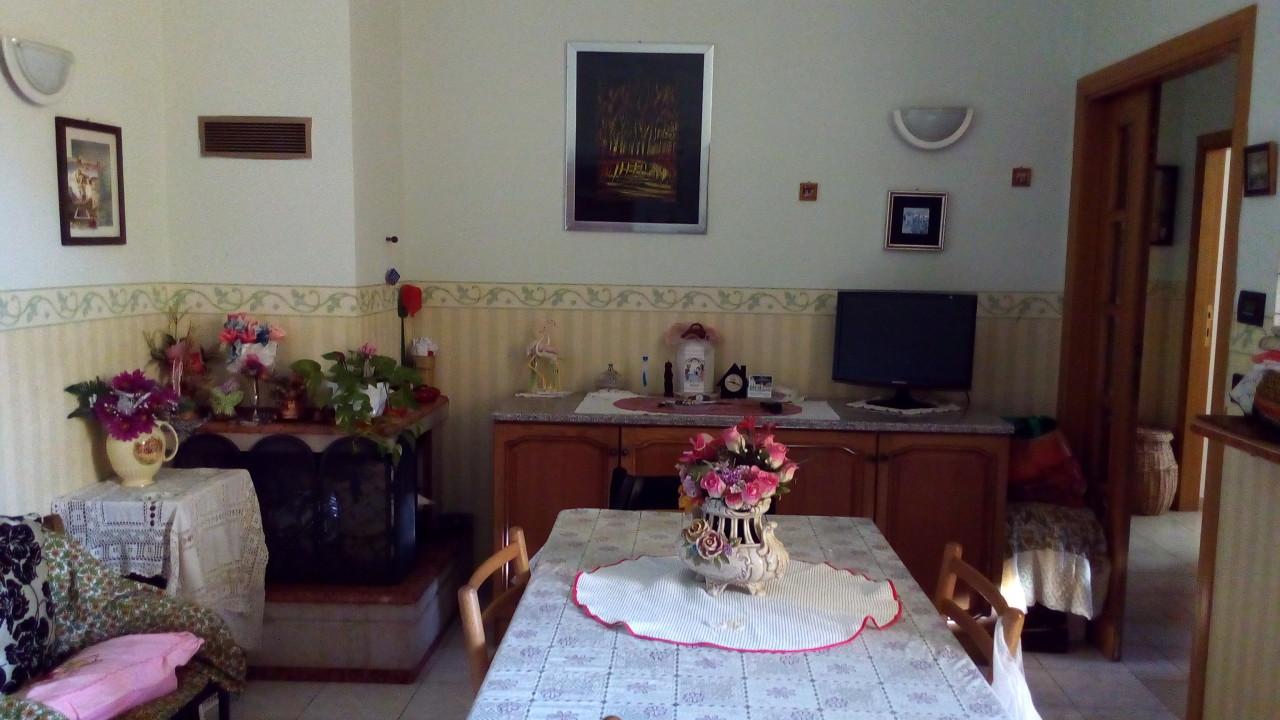 Appartamento in vendita a Ascoli Piceno, 4 locali, zona Località: P.taMaggiore, prezzo € 98.000 | Cambio Casa.it