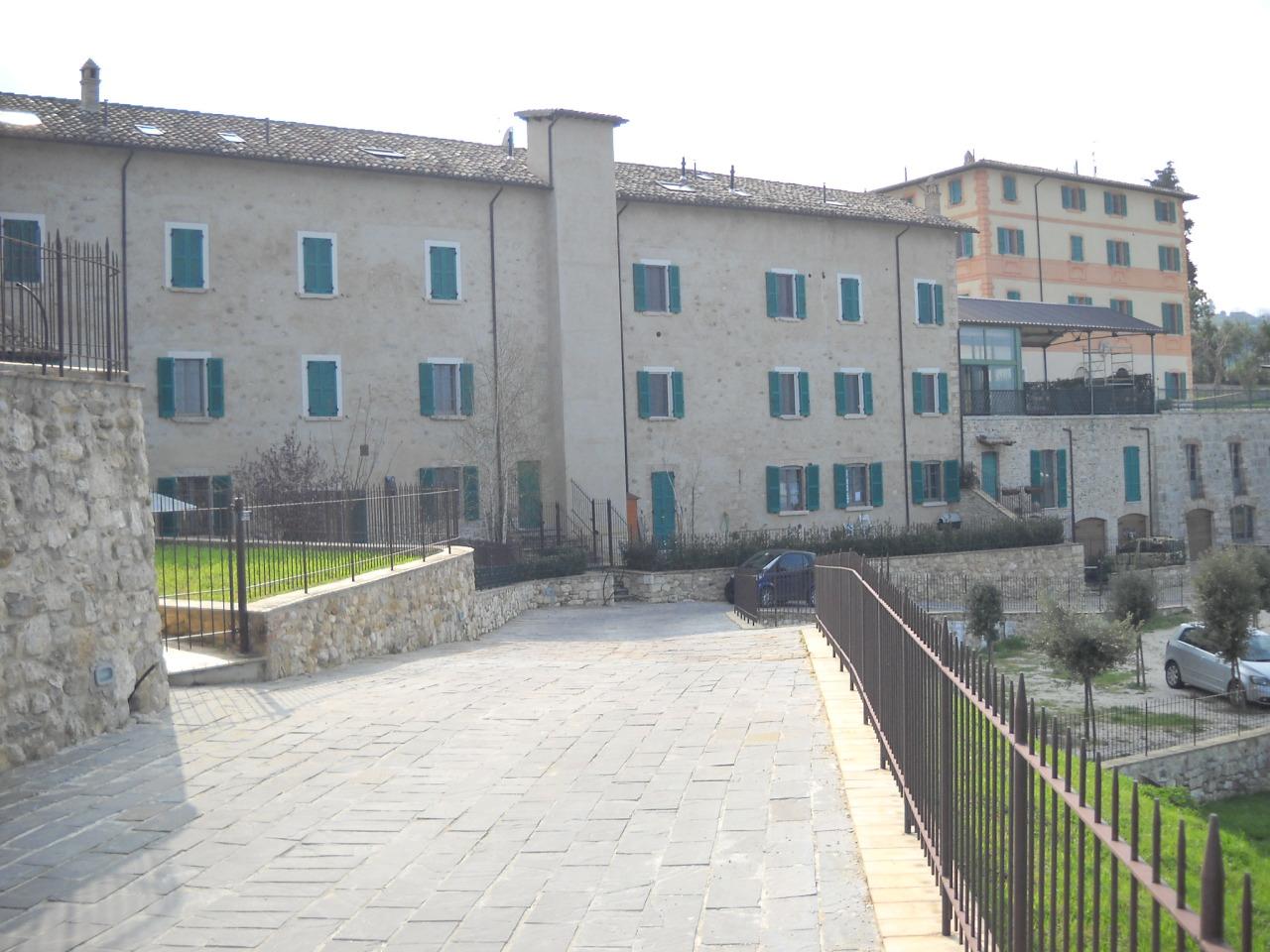 Appartamento in vendita a Ascoli Piceno, 3 locali, zona Località: Cavignano, prezzo € 98.000 | Cambio Casa.it