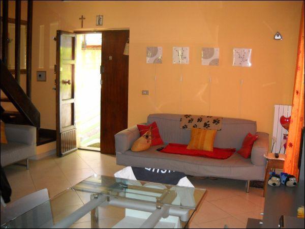 Villa Bifamiliare in vendita a Ascoli Piceno, 9999 locali, zona Zona: Mozzano, prezzo € 99.000   Cambio Casa.it