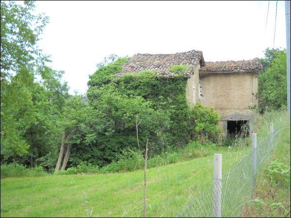 Rustico / Casale in vendita a Ascoli Piceno, 9999 locali, zona Zona: Mozzano, prezzo € 180.000 | Cambio Casa.it