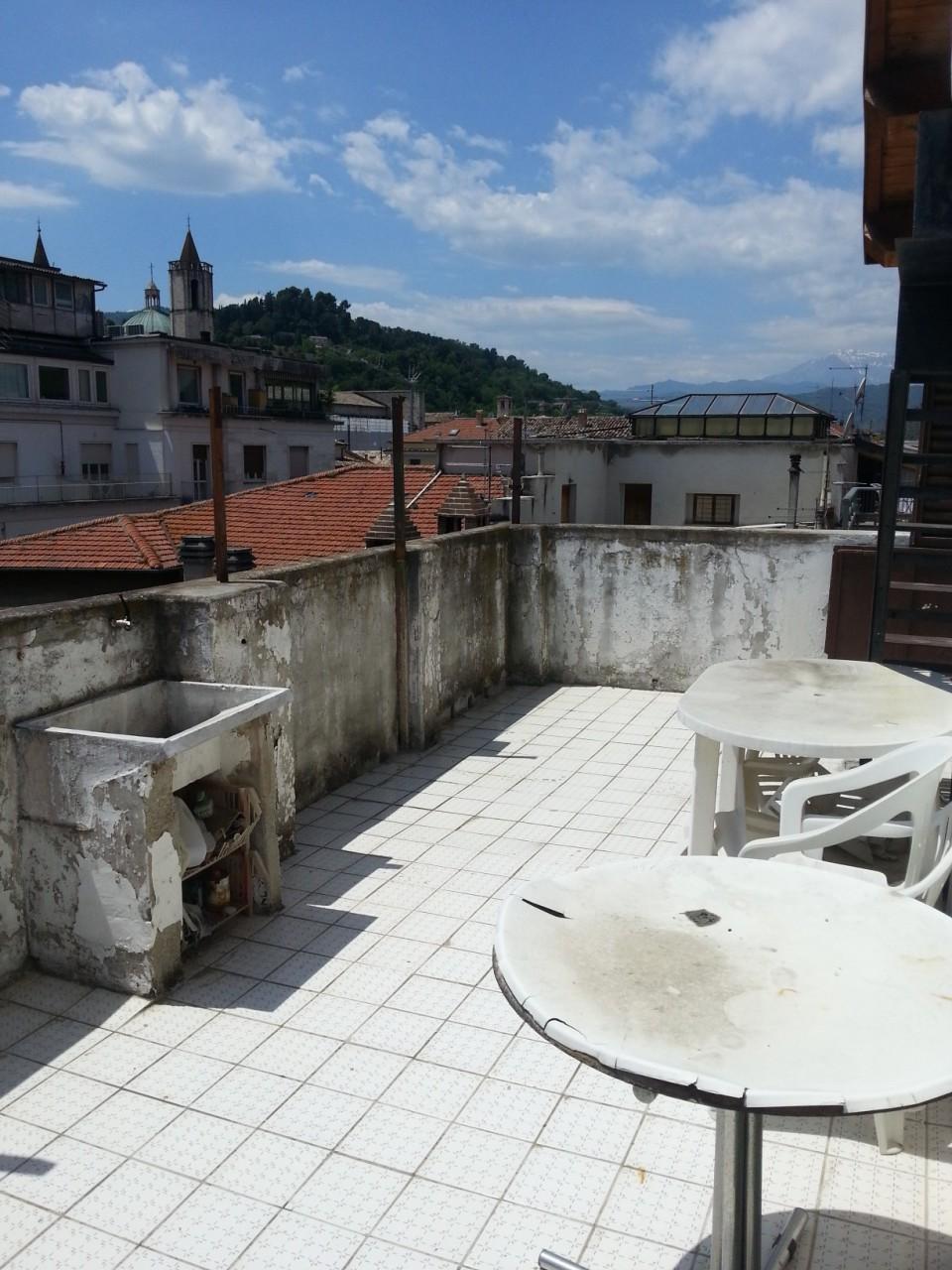 Appartamento in vendita a Ascoli Piceno, 5 locali, zona Località: CentroStorico, prezzo € 170.000 | Cambio Casa.it