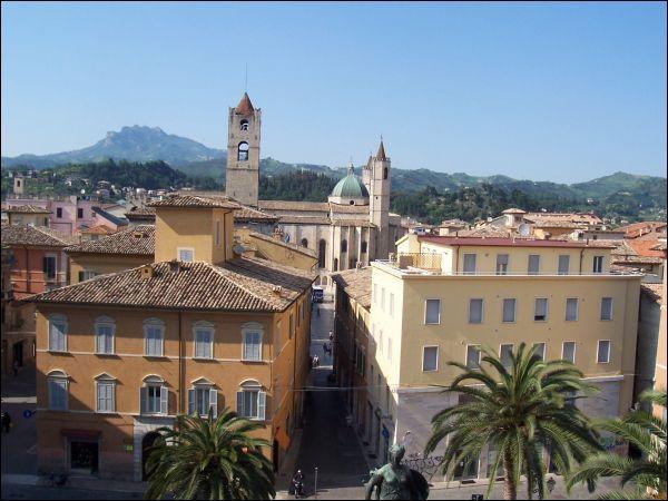 Appartamento in vendita a Ascoli Piceno, 9999 locali, zona Località: CentroStorico, Trattative riservate | Cambio Casa.it