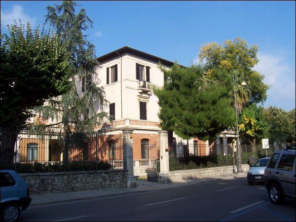 Ufficio / Studio in vendita a Ascoli Piceno, 9999 locali, zona Località: Centro, prezzo € 900.000 | Cambio Casa.it