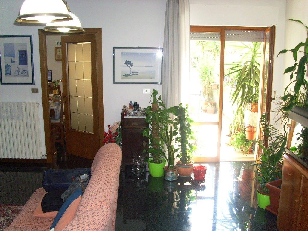Appartamento in vendita a Ascoli Piceno, 5 locali, zona Località: P.taRomana, prezzo € 149.000 | Cambio Casa.it