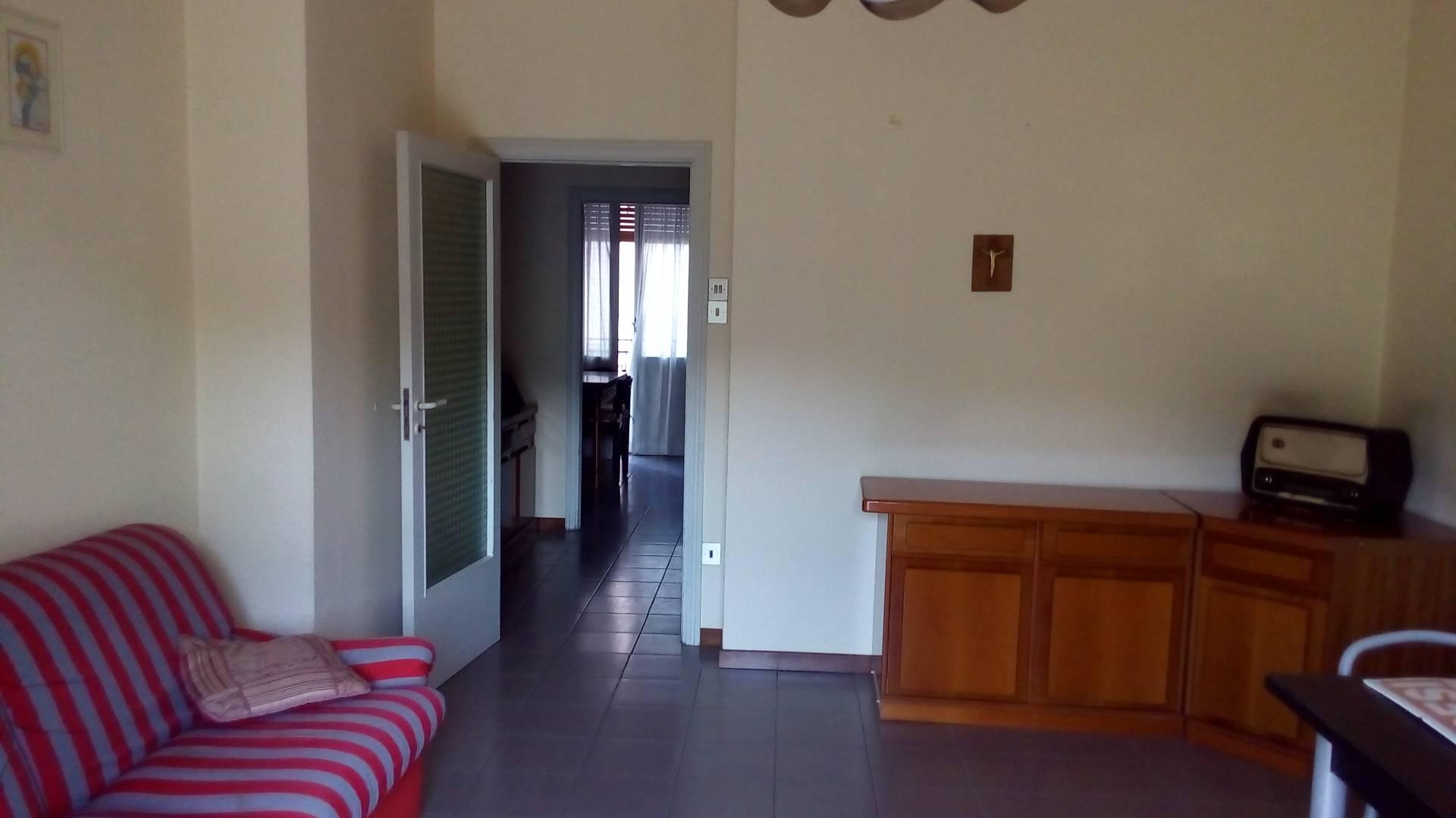 Appartamento in vendita a Ascoli Piceno, 5 locali, zona Località: P.taRomana, prezzo € 120.000 | Cambio Casa.it
