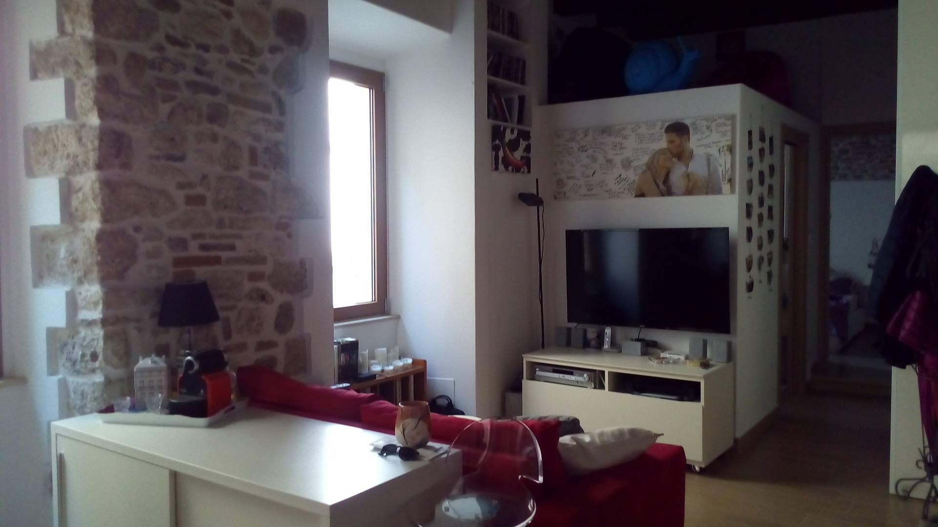 Appartamento in vendita a Ascoli Piceno, 2 locali, zona Località: CentroStorico, prezzo € 110.000 | Cambio Casa.it