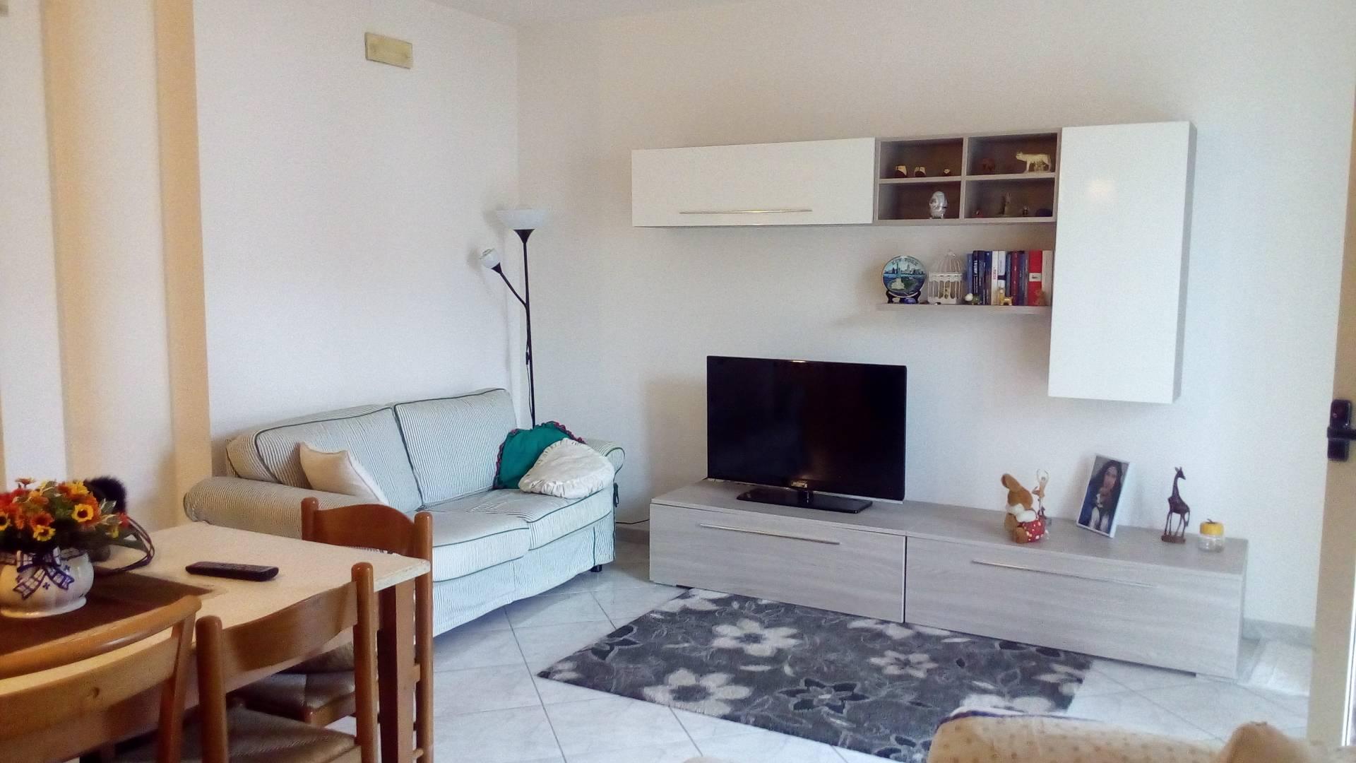 Appartamento in affitto a Folignano, 4 locali, zona Località: PianediMorro, prezzo € 500 | CambioCasa.it