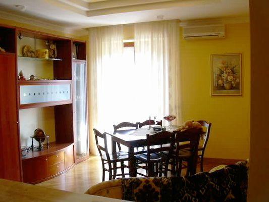 Appartamento in vendita a Folignano, 5 locali, zona Località: VillaPigna, prezzo € 120.000 | CambioCasa.it
