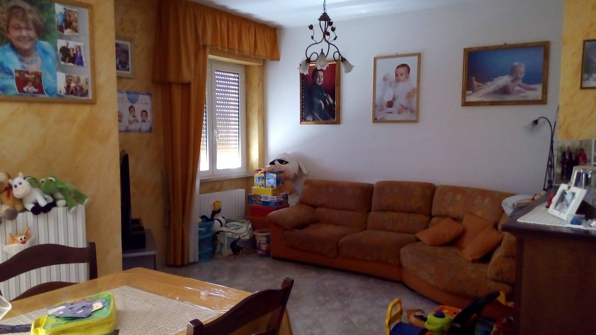 Appartamento in vendita a Ascoli Piceno, 4 locali, zona Zona: Monticelli, prezzo € 125.000 | CambioCasa.it