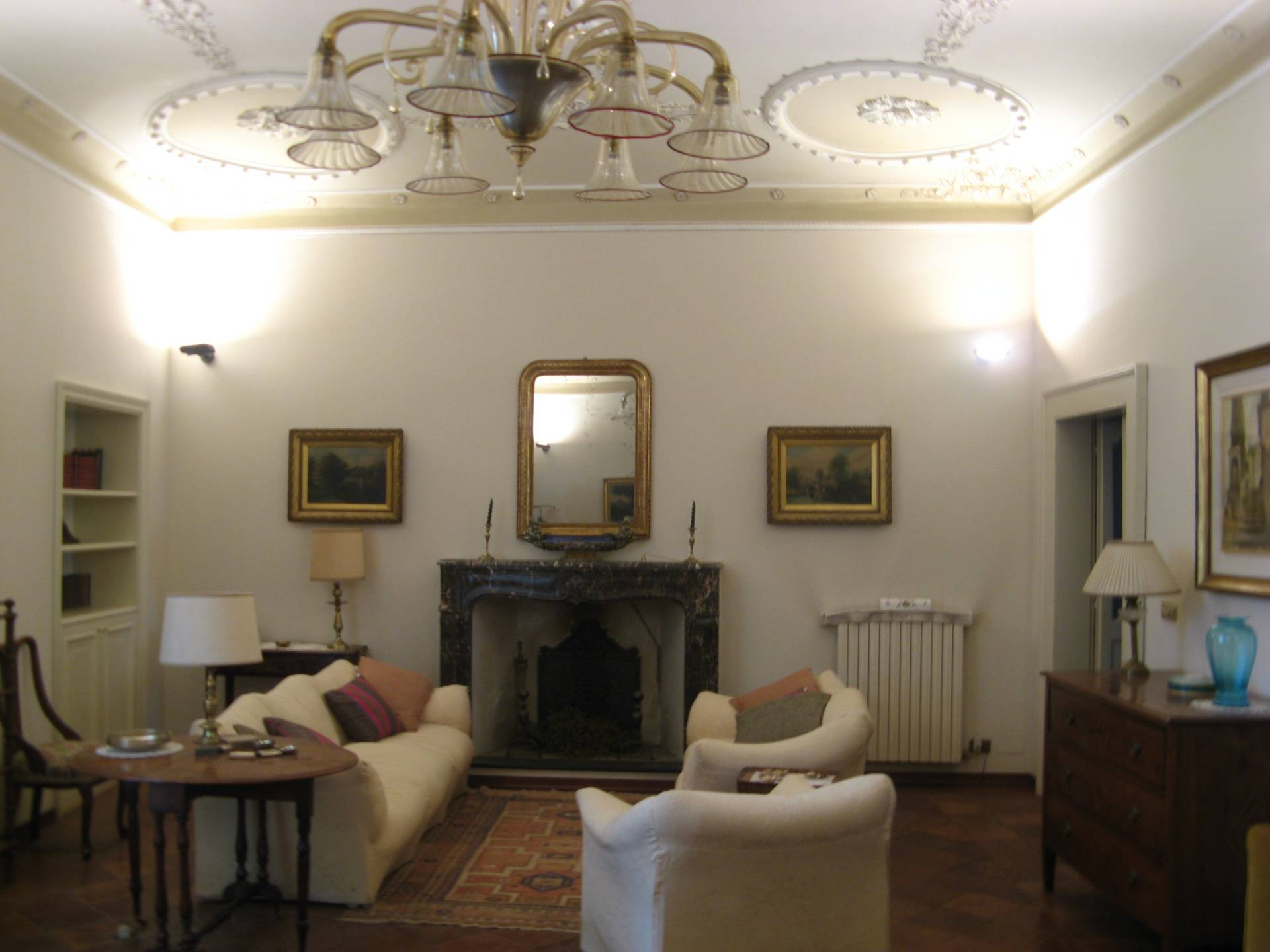 Palazzo / Stabile in vendita a Ascoli Piceno, 12 locali, zona Località: CentroStorico, prezzo € 750.000 | CambioCasa.it