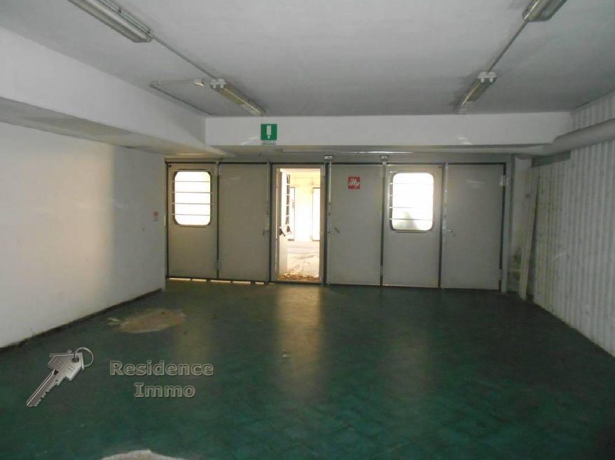 Magazzino in vendita a Bolzano, 9999 locali, zona Zona: Residenziale, prezzo € 100.000 | Cambio Casa.it