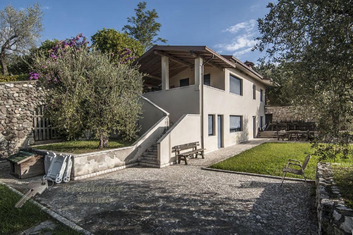 Villa in vendita a Manerba del Garda, 20 locali, prezzo € 6.000.000 | CambioCasa.it