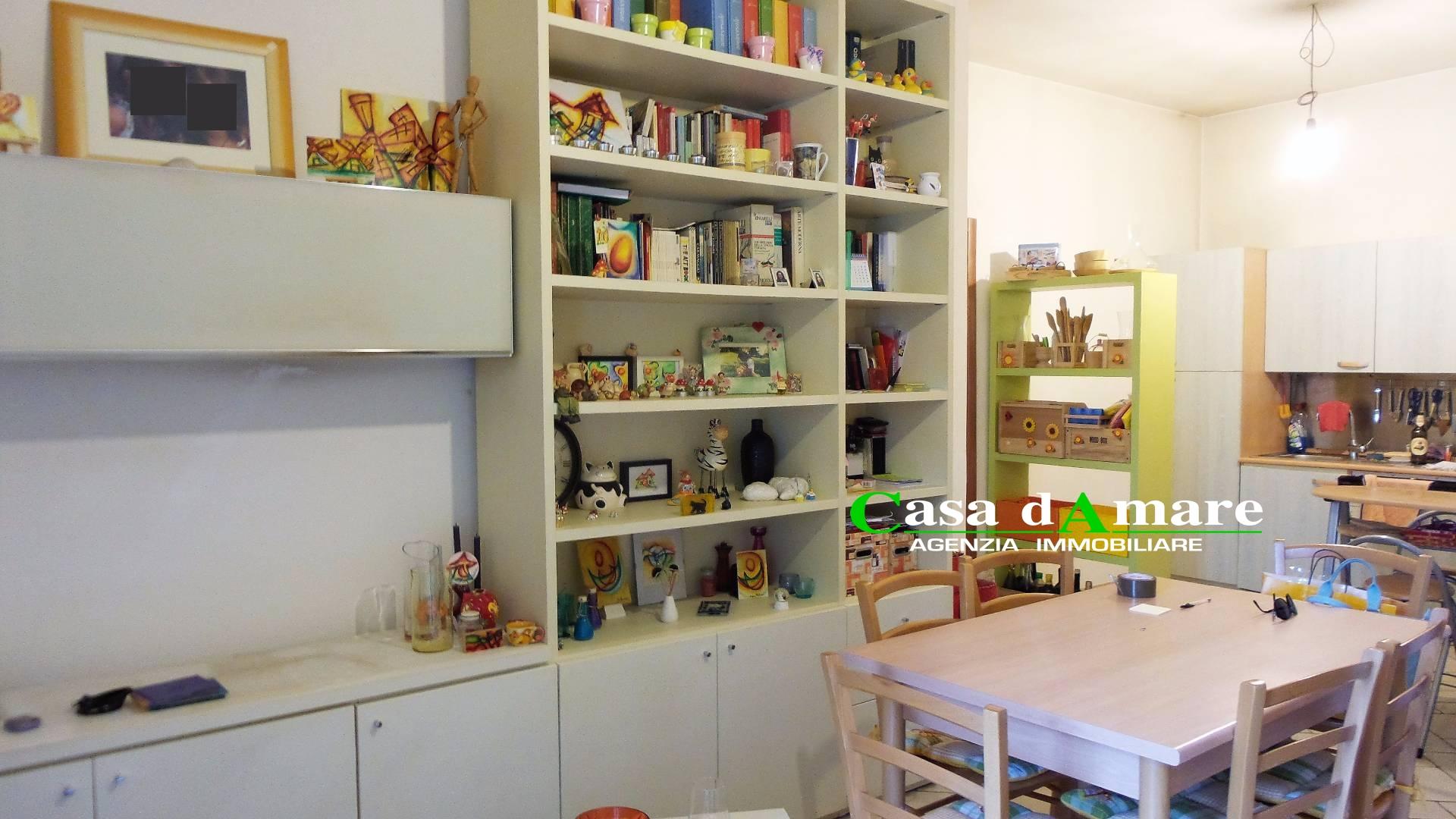 Appartamento in vendita a San Benedetto del Tronto, 3 locali, zona Località: PortodAscoli, prezzo € 110.000 | Cambio Casa.it